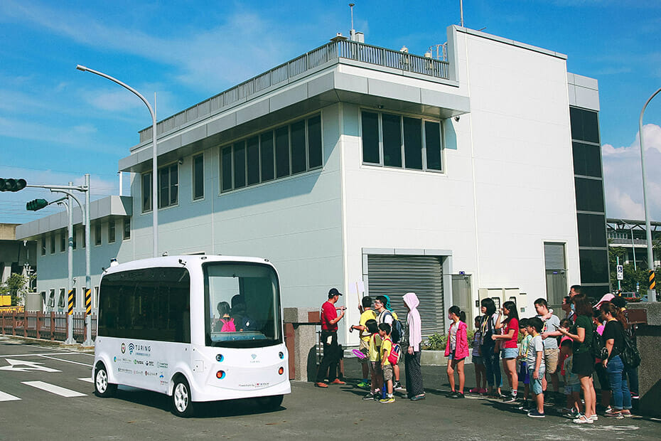 TURING Drive's 4-meter OPAL Shuttle Bus Picking Up Passengers