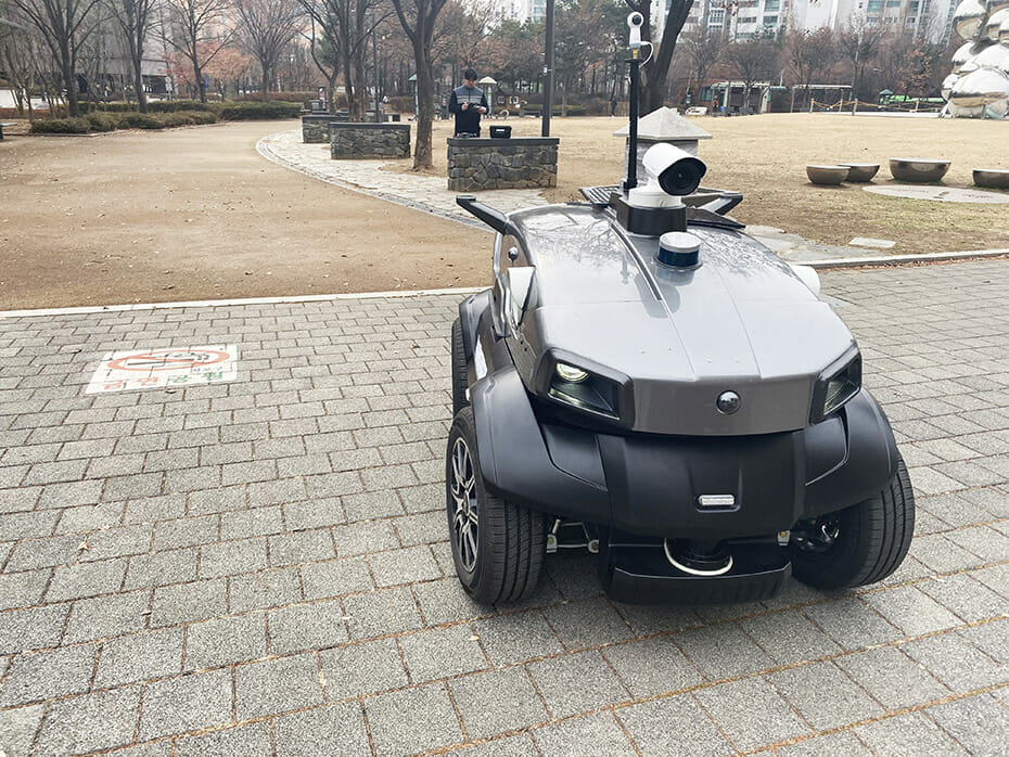 Unmanned Solution's Autonomous Technology Used for a Security Robot With Velodyne Lidar Sensor